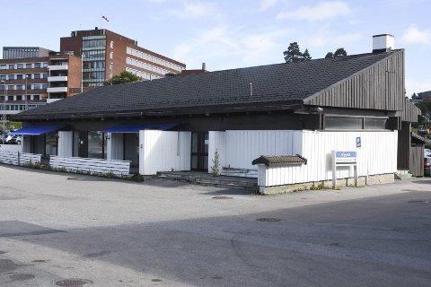 Forfaller: Tavernaen i Kongsvinger forfaller, og det er fortsatt uavklart hva som skjer med bygget.