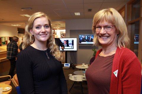 OPTIMISTISKE: Emilie Enger Mehl (t.v.) og Karin Andersen ser ut til å gjøre et godt valg.