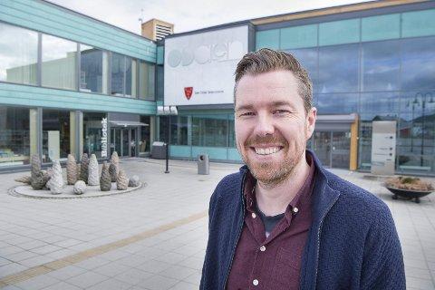 INVITERER: John Kristian Strand, kommunikasjons- og næringskoordinator i Sør-Odal kommune inviterer til grendemøter om etterbruk av skolene som legges ned.
