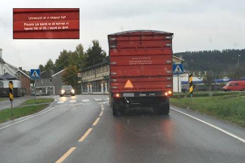 ØL-HILSEN: Bak denne traktoren er det ganske hyggelig å kjøre.