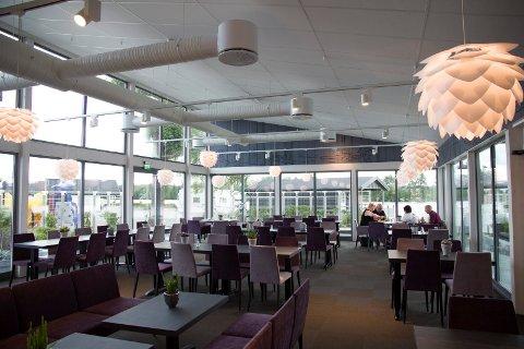 DELIKAT: I den nye spisesalen med utsikt mot Glomma.