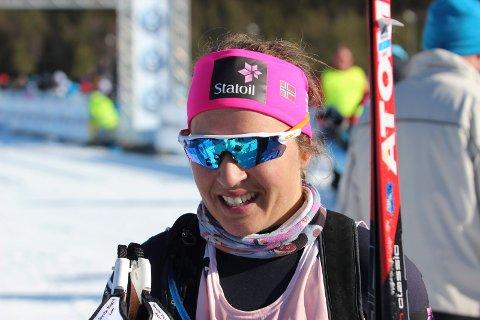 VANT: Lotta Udnes Weng slo Charlotte Kalla, og vant sprinten under Skandinavisk Cup i svenske Piteå fredag.