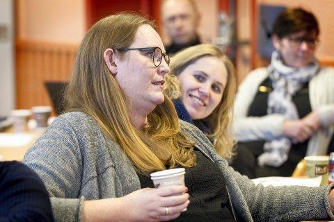 ENIGE: Tidligere og nåværende regionrådsleder, Lise Selnes (nærmest) og Kamilla Thue, mener begge at regionen bør bli værende i Innlandet.