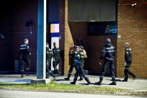 AKSJON: 10 polititjenestemenn slo til mot pokerlokalene i Storgata.