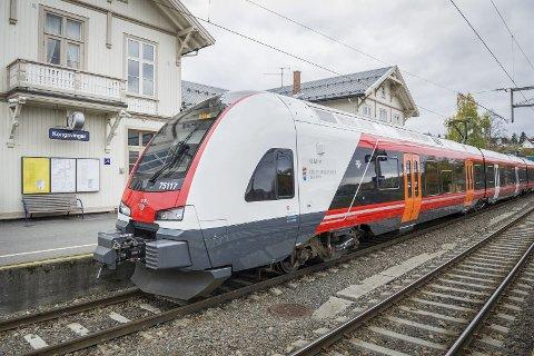 KLARE PLANER: Planene for en hurtigtogslinje mellom Oslo og Stockholm er klare. Reisetiden skal kunne komme med i under tre timer, mot mellom seks og sju timer i dag ettersom togene må via Kongsvinger.