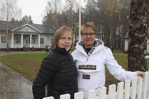 KAMP: Bente Rudberg og Marit Dahl er klare til flere kamper mot vindindustri og vindturbiner i urørt natur. Nå tar de opp kampen mot vindindustri på Vestmarka, og skal også kjempe mot utbygging i Kjølberget, der Våler har sagt ja og konsesjon er gitt. Foto: Kenneth Mellem