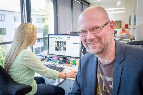 Vokser: Glåmdalen vokser i antall abonnenter, viser tall fra MBL. Det er redaktør og daglig leder Thor Sørum-Johansen godt fornøyd med.