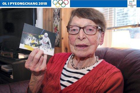 JUBLET: Grethe Svendsen (80) kunne juble da André Myhrer ble olympisk mester. Hovedpersonen selv uttalte til Glåmdalen før vinterlekene at han gjerne ville gi Austmarka-slektningene noe å juble for.