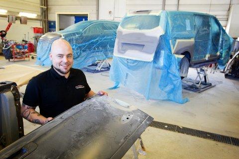 Daglig leder ved Kongsvinger Bilskade, Ole Daniel Strandseter er strålende fornøyd med utviklingen av det nystarta firmaet.
