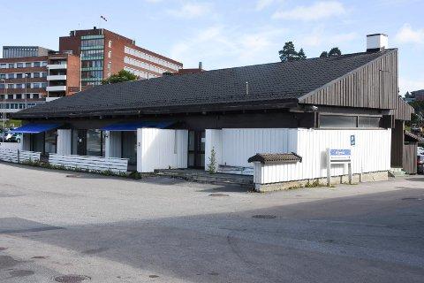 TAVERNA: Kommunen og Securitas mener Taverna har brutt alkoholloven og de gjeldende smittevernreglene.