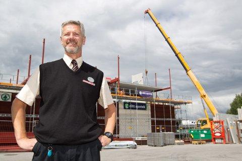 Eier av Potten-bygget, Lars Erik Karseth, bygger nå 12 leiligheter i to etasjen over butikken. Prosjektet kalles Glomgløtt, og har seks store leiligheter mot Glomma og seks leiligheter opp mot sentrum.
