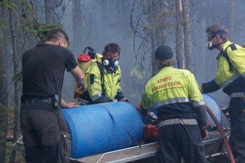 Brannmannskaper og frivillige sto på ved alle de tre store skogbrannene i Åsnes i sommer.