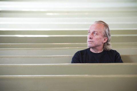 Eget liv: – «Harpesang» lever sitt eget liv fire år etter lanseringen i Norge, sier forfatteren Levi Henriksen. – Ukentlig postes det innlegg på Instagram fra italienske lesere under hashtagen #norwegianblues, sier han. Romanen heter «Norwegian Blues» i Italia.