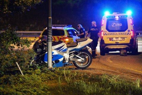 ULYKKE: Mannen i 50-årene kjørte av veien i Drammen med en motorsykkel etter å ha drukket alkohol.