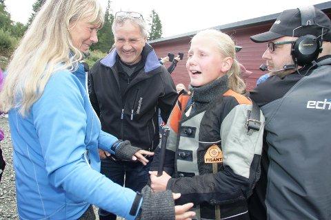 GLEDESTÅRER: Ingrid Bråten Aarskog gråt av glede etter å ha satt en solid personlig rekord på Landsskytterstevnet mandag formiddag.