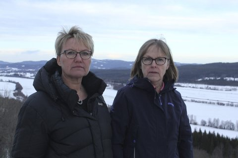 REISER TIL VÅLER: Bente Rudberg og Marit Dahl kommer til å reise til Våler og informere om vindturbiner om de ikke snart bli invitert. Foto: Kenneth Mellem