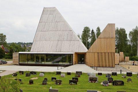 LØFTES FRAM: Internasjonalt vekker historien om Våler kirke oppsikt igjen. Flere arkitekturnettsider har løftet den fram denne uka. Foto: OLE-JOHNNY MYHRVOLD (ARKIV)