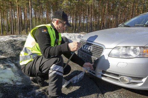 AVSKILTET: Etter sjekk i registeret tok Seljami Sopi skiltene på denne bilen.