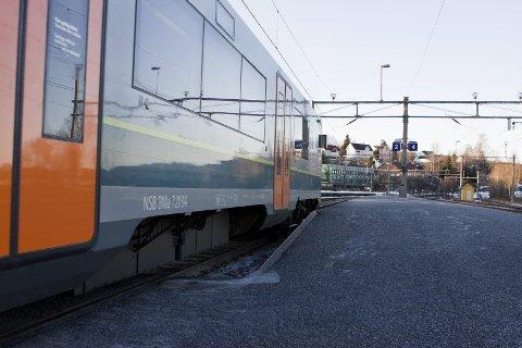 STOPP I EIDSKOG: Ungdomsrådet har tro på at et togstopp skal kunne gi kommunen et løft. ILLUSTRASJONSFOTO: KJELL R. HERMANSEN