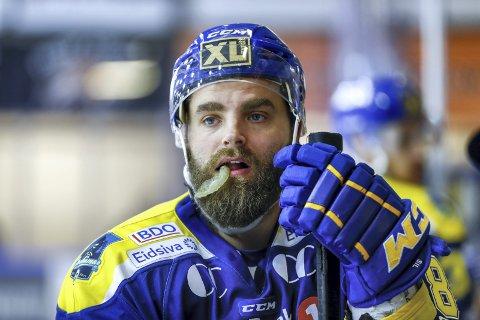 Lars Erik Hesbråten har stort sett bare spilt for Storhamar siden 2003. Nå er han tilbake i Kongsvinger ishockey, som spillende trener.