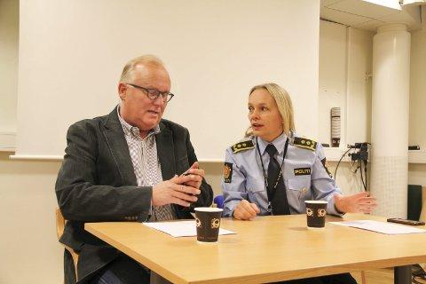 AVGA FORKLARING: Ingar Høye ledet etterforskningen av Finsrud-ranet fra DNA-sporet ga treff. Her med Ellen Malmberg fra pressekonferansen de presenterte gjennombruddet i etterforskningen av saken.FOTO: LARS FOGELSTRAND (ARKIV)