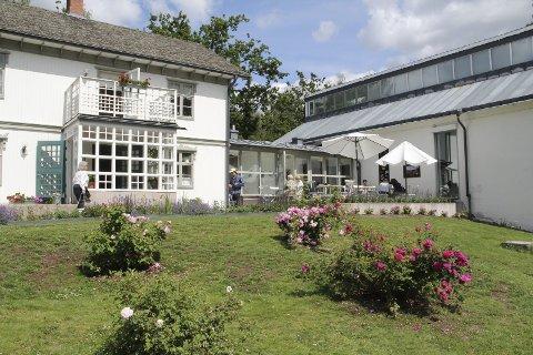 Vakkert: Rackstadmuseet sto ferdig i 1993 og har med sine utstillinger, vakre hage og hyggelige spisested vært populært fra første stund. bilder: KARI GJERSTADBERGET