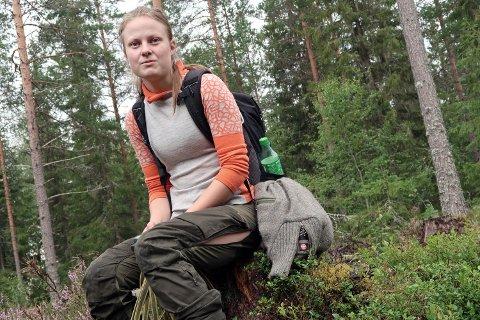 HÅP: – Jeg har så lyst til å finne ut hva som har skjedd med Ura, og inntil videre er jeg optimist og håper at hun fortsatt er i livet, sier Ida Helen Selliseth som nå merker kjøret etter å ha gått flere mil gjennom skogene.