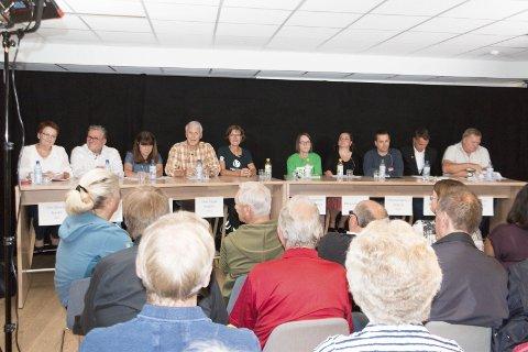 PANELET: Hotellplanene var i fokus under Glåmdalens politiske debatt fra Kongsvinger på nett-tv. I panelet satt (fra venstre) Elin Såheim Bjørkli (Ap), Johan Aas (Frp), Eli Wathne (H), Thor Trygve Ringsbu (KrF), Inger Noer (V), Anne-Margrethe Sørli Bolneset (SV), Margrethe Haarr (Sp), Christian Sørlien Molstad (Rødt), Henrik Mohn (MDG) og Kurt Gøran Adriansen (Pensjonistpartiet). FOTO: PER HÅKON PETTERSEN