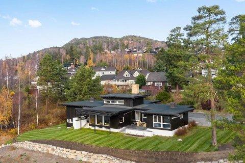 HEDMARKS DYRESTE: Denne boligen fungerte som representasjonsbolig for Langmoen parkett i sin tid. Da Østlendingen skrev om den første gang, var den på det tidspunktet Hedmarks dyreste.