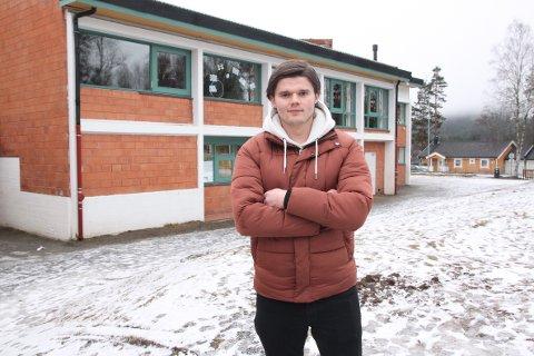 HOCKEY OG SKOLE: I stedet for å studere til å bli lærer, jobber André Haugen som assistent på Vennersberg barneskole. Det lar seg best kombinere med hockey med KIL i 2. divisjon.
