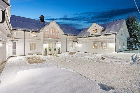 REKORDHØYT: Denne boligen på Skarnes er til salgs for 9,5 millioner kroner.