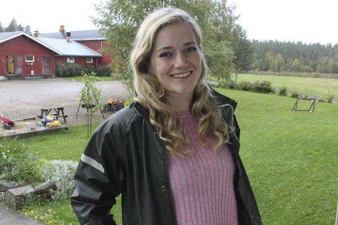 UENIG: Stortingspolitiker Emilie Enger Mehl (Sp) er uenig med Sp-ordfører Kari Heggelund i Åsnes om skolesturkturen. Mehl ønsker at grendeskolene skal bestå.