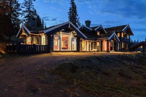 TIL SALGS: Hytte i Fageråsen er lagt ut for salg. Prisantydning er 13.990.000 kroner.