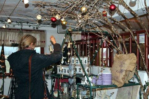 Jula på Ullernlåven et tidligere år - nå holder julelåven stengt i første omgang til og med helga 14. - 15. november, men håper å åpne igjen slik at folk får med seg julekosen der.
