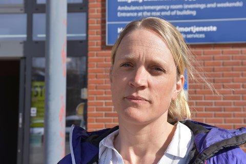 ANBEFALER VAKSINE: Ikke helt overraskende, kommuneoverlegene i Sør-Østerdal, her representert ved kommuneoverlege i Trysil Hanna Rydlöv, anbefaler folk å vaksinere seg. – Det er det klart beste alternativet, sier hun.