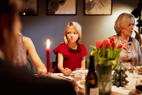 JULAFTEN: Nesten 1 av 4 opplyser at julaften er den juledagen de drikker mest. Illustrasjonsfoto. Foto: Av-og-til