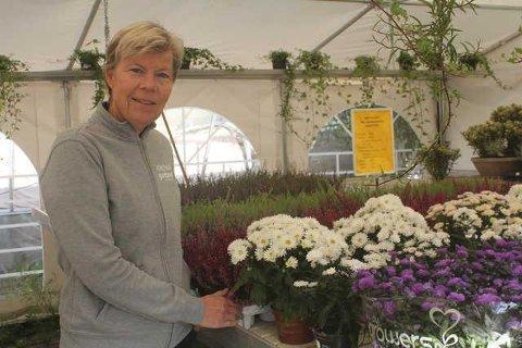 TENKER NYTT: Inger Frette ved Kirkenær Hagesenter tenker nytt, og vil dyrke grønnsaker i sentrum. I tillegg vil hun ha en gårdsbutikk i gartneriet, og kurse folk i innhøsting og lagring av grønnsaker.