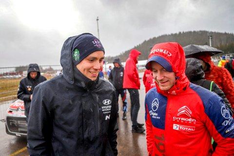 Ole Christian Veiby og Mads Østberg på serviceplassen i Torsby etter endt Rally Sweden. (Foto: Simen Næss Hagen / Parc Fermé)