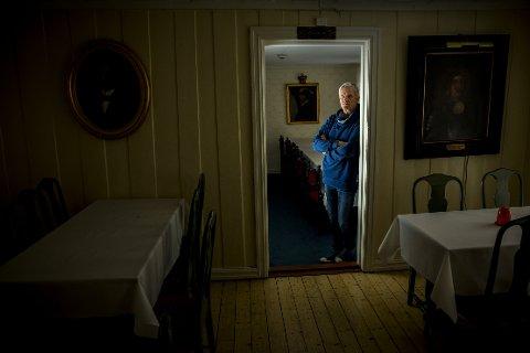 """FOLKETRO: Sammenliknet med andre overnaturlige fenomener tror mange nordmenn på at hus kan være hjemsøkt. Programleder for """"Åndenes makt"""", Tom Strømnæss, får fremdeles henvendelser fra hjemsøkte huseiere omtrent daglig."""