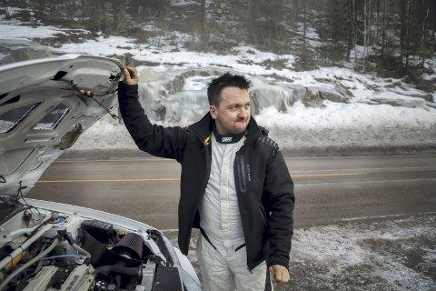 Mye følelser: På dagen tre år etter at faren hans brått gikk bort, kunne Jim Roger Haugom konstatere at han var en vinner i rallyløypa. FOTO: SIMEN NÆSS HAGEN