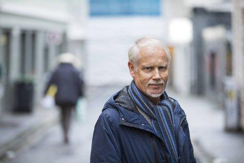 Hypokonderlegen Ingvard Wilhelmsen (71) merker ikke økt pågang fra folk som er engstelig for å bli smittet av koronavirus. Det gjør til gjengjeld legevakten.