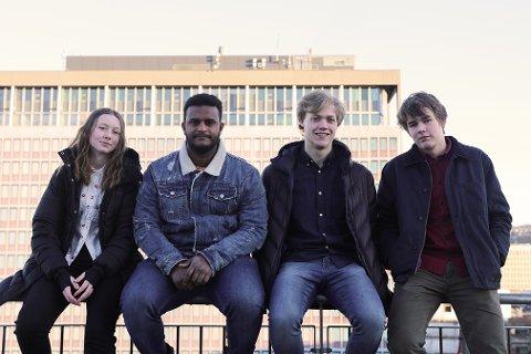 UNGDOMSPANELET: Tuva Nordøy, Mohamed A Alhaj, Ole Kristian Lona Moa, og Johannes Brekka er en del av det nye ungdomspanelet.