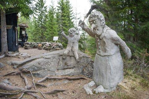 Galtebu ved Roverud er et flott utfartssted for familier. Kort vei, og morsomme skulpturer. Grillmuligheter.
