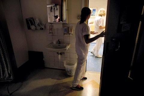 I FRONTEN: Det er sykepleierne og legene som står i fronten mot koronaviruset. Når krisen er over vil regionrådsleder Knut Hvithammer finne en anledning til å gjøre stas på dem.