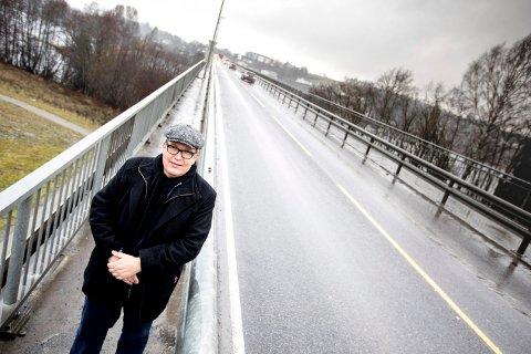 UT MOT UTBYGGING: Stortingsrepresentant Sverre Myrli (Ap) mener E16 må ferdigstilles mellom Nybakk og Slomarka. Han er kraftig imot å bygge helt ny motorvei.