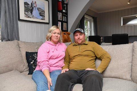 Både skuffet og rørt: Monica Husebø Broløkken er rammet av livmorshalskreft. Hun og mannen Frode Broløkken er skuffet over staten som ikke ønsker å tilby immunterapi. Det er likevel håp etter at gavmilde givere har samlet inn mange tusen kroner til behandling på et privat sykehus.