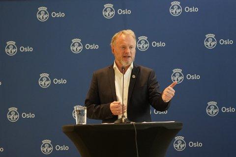 Byrådsleder Raymond Johansen orienterte om koronasituasjonen i Oslo.
