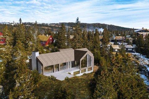 Prisantydningen er satt til 32 millioner kroner for denne hytta under oppføring like nedenfor Gaiastova/Hafjelltoppen.