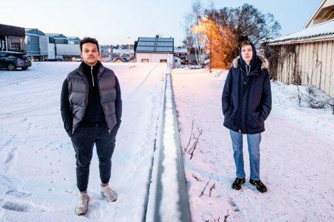 VIL HA ENDRING: Joaqin Durrani (til venstre) og Sondre Tømte ønsker at regjeringen skal gjøre en endring slik at de får trent sammen med klassekameratene sine.