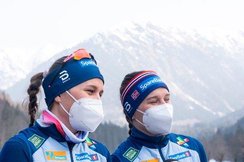 VM-jenter: Både Lotta og Tiril Udnes Weng er pp plass i VM i Oberstdorf. Veien dit har bestått i utallige dueller dem i mellom gjennom ti år.